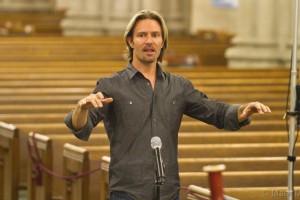 Eric Whitacre's Virtual Choir 4: Fly to Paradise